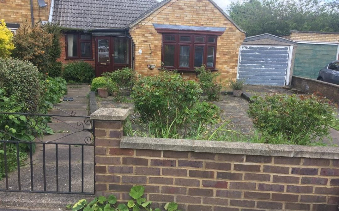 3 bed Bungalow in Cuffley Close In Luton.